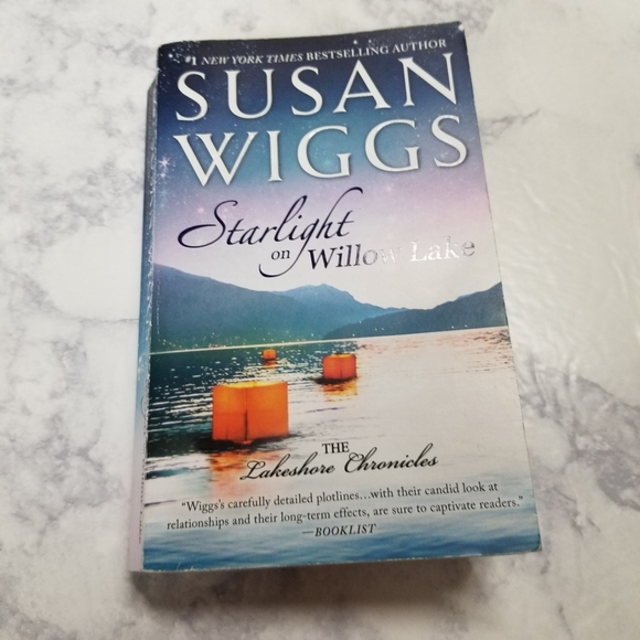 Other - Starlight on Willow Lake Susan Wiggs Romance Book